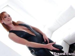 Fetish les anal fucks toy